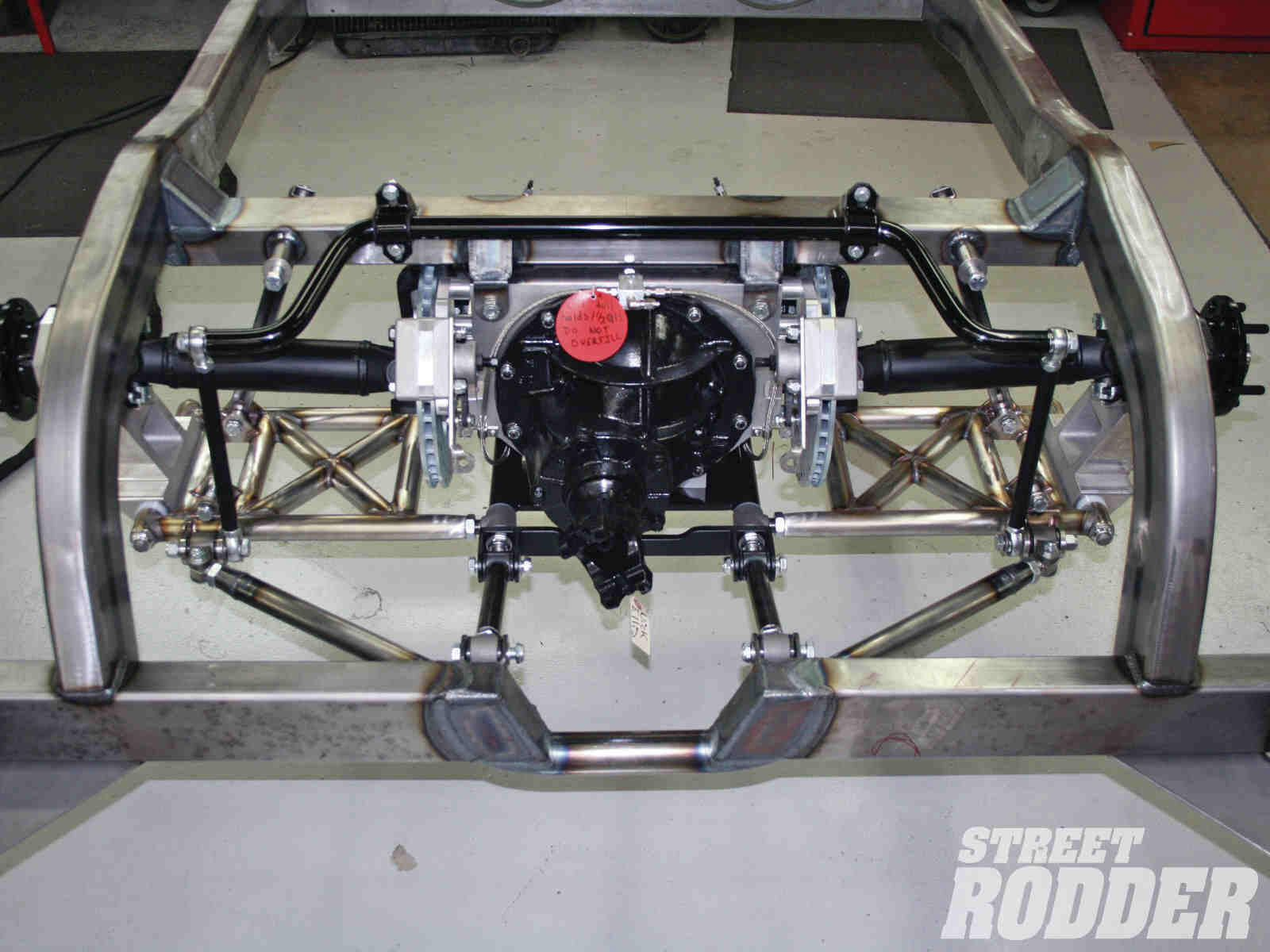 Sweet independent rear end | LAYING FRAMES | Custom cars