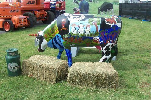 Pin by MM del Rosario on Cows Cow parade, Cute cows, Cow