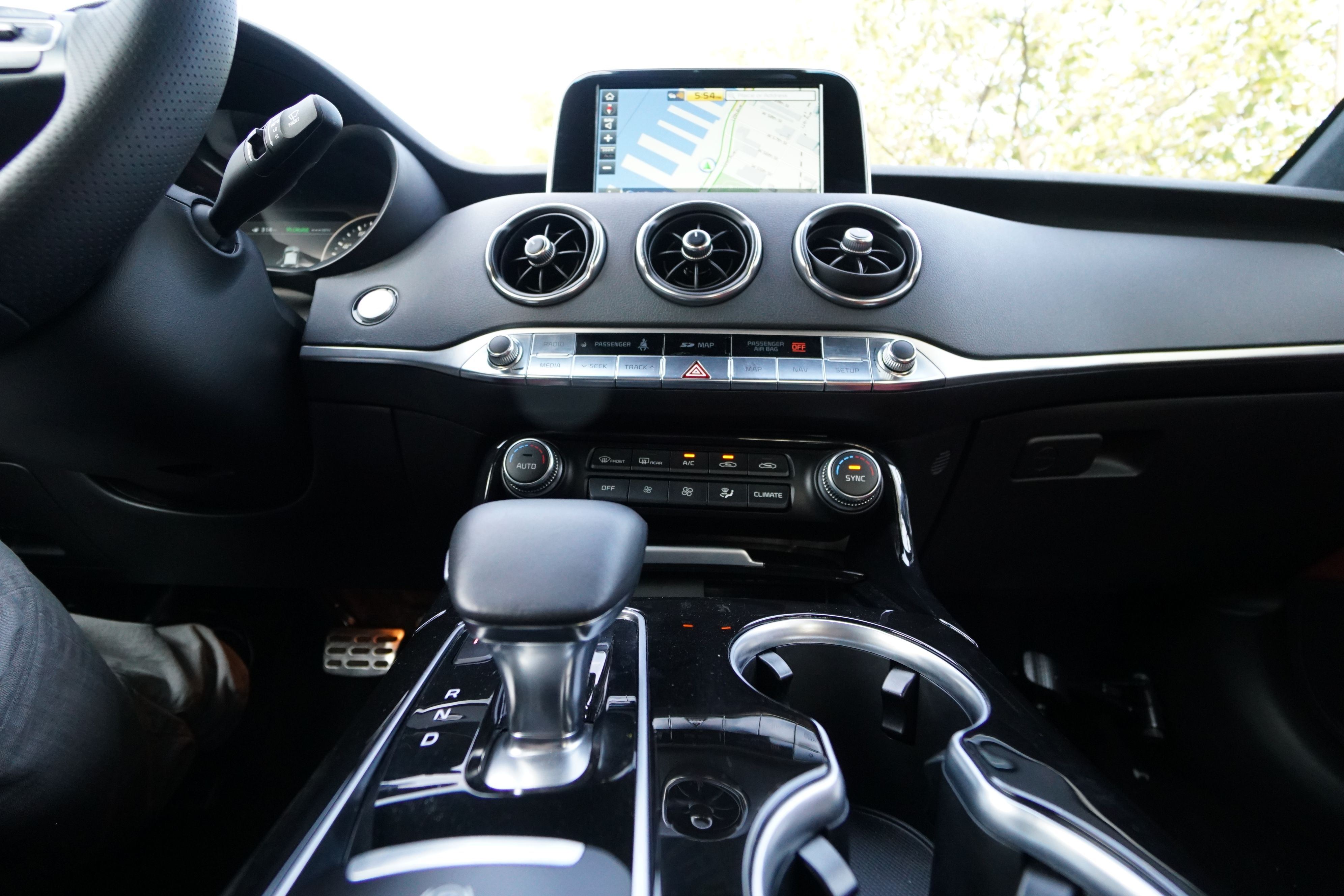 Comfort Focused Amenities To Enhance Your Drive Kiastinger Sports Sedan Kia Kia Stinger