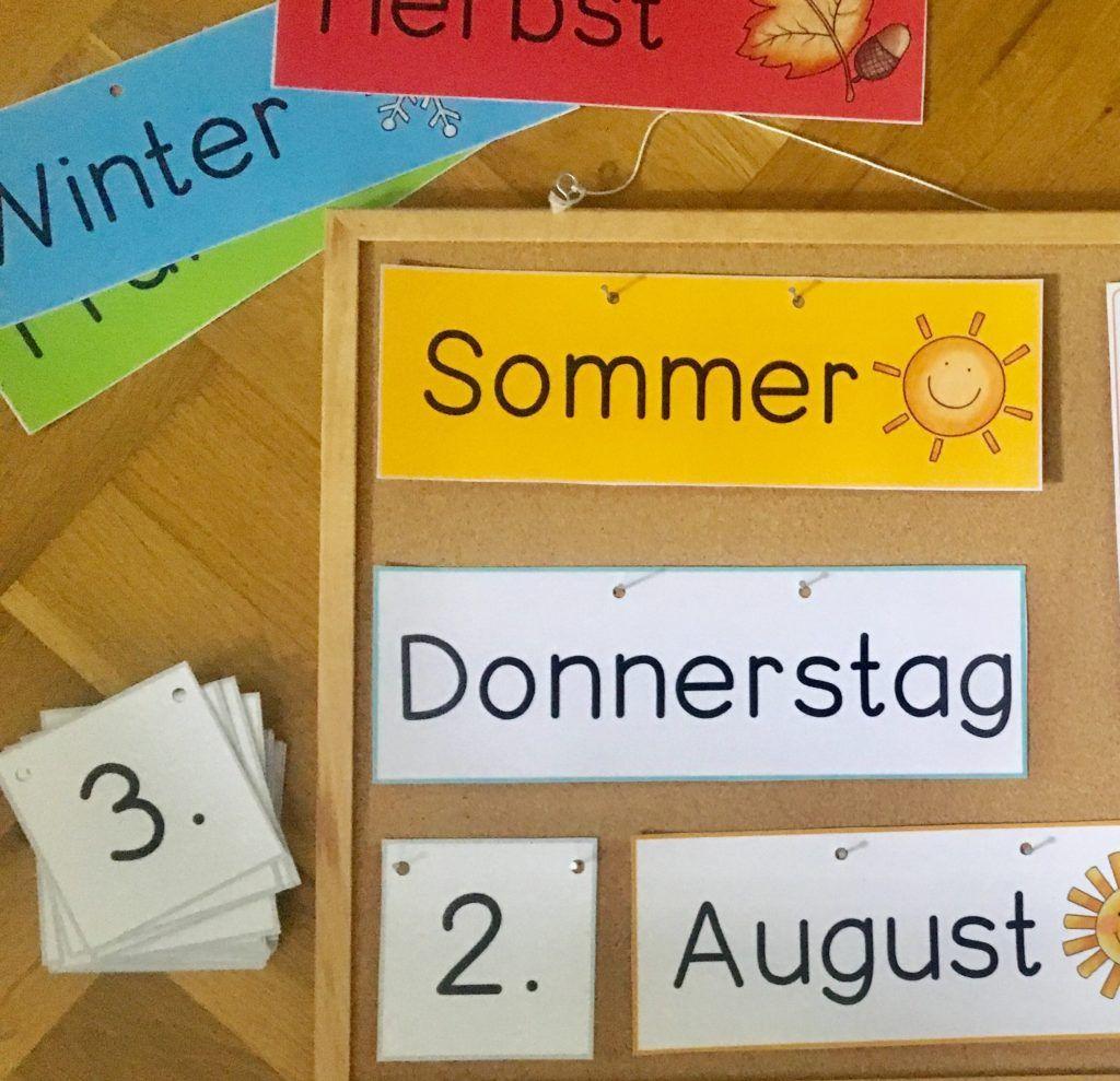 Material   Kalender für kinder, Frau locke, Erste klasse