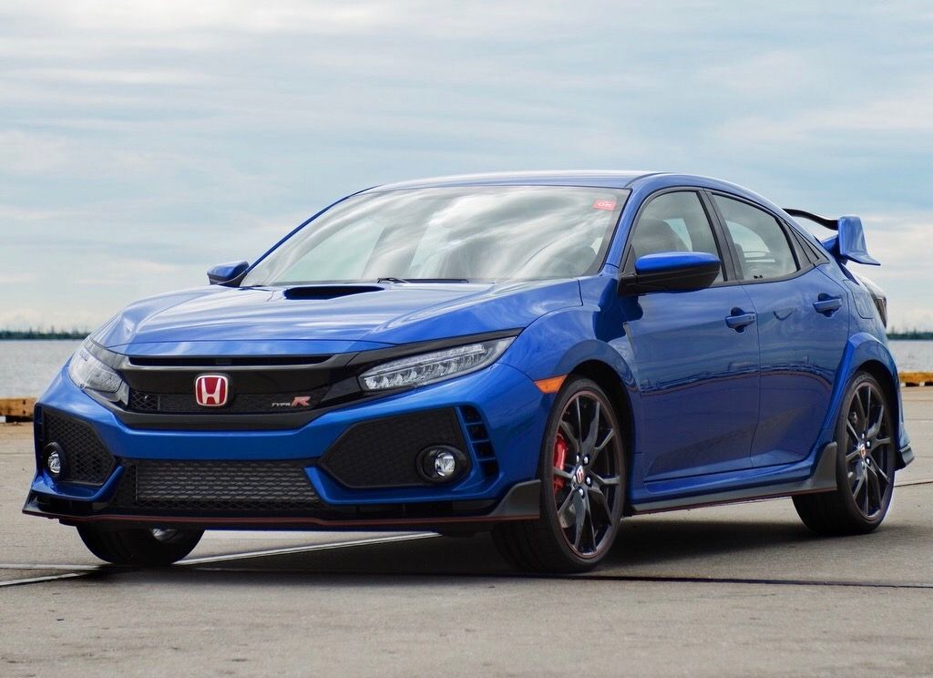 Officially, Honda offers the genius Civic Type R also in ...