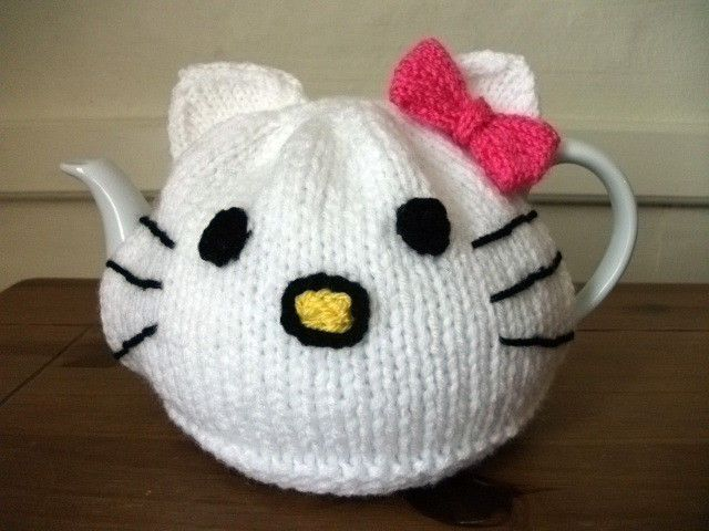 Hand Knitted Hello Kitty Tea Cosy For A 2 Pint (4-6 cups) Teapot ...