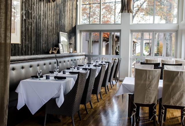 The 13 Best Atl Bars Restaurants To Meet Celebrities Bourbon Bar Restaurant Restaurant Bar