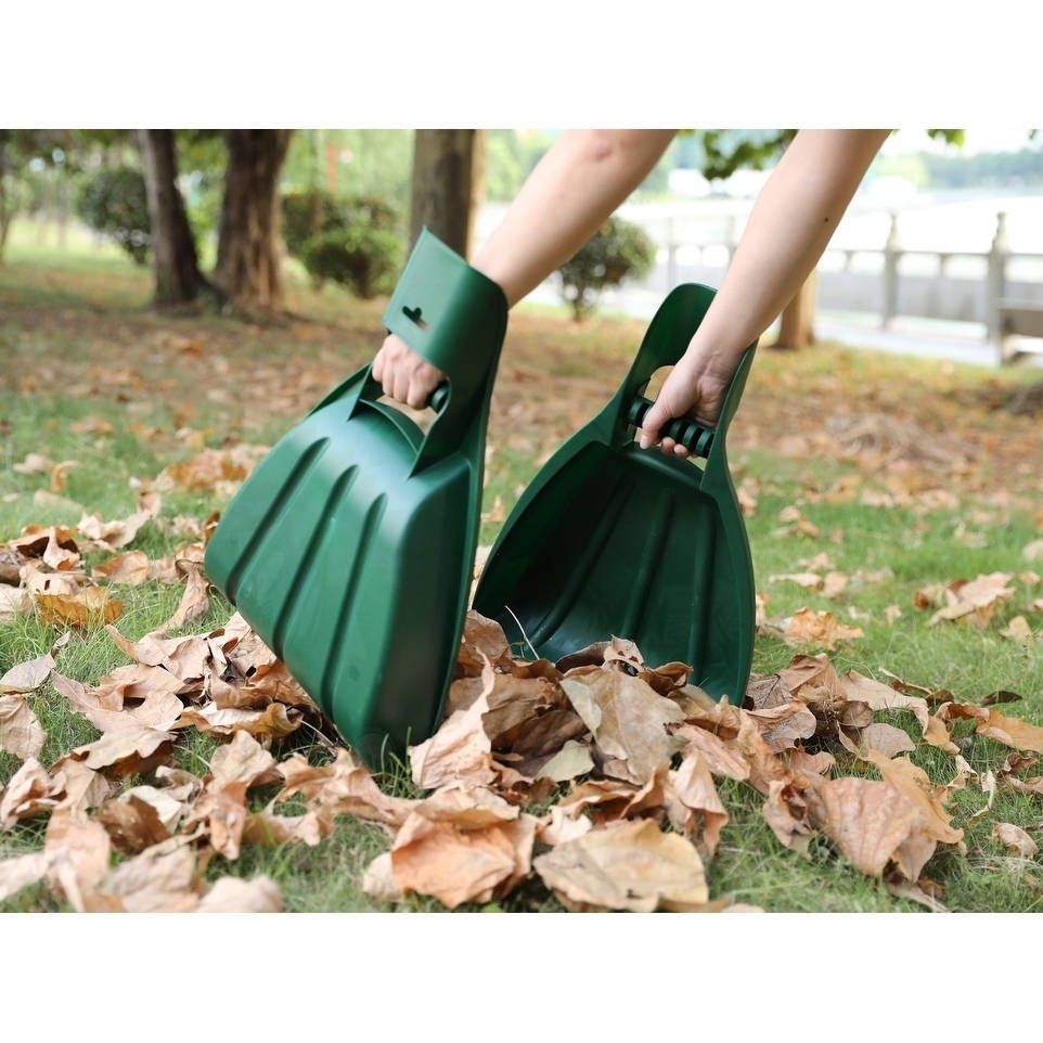 Basicwise pair of large leaf scoops hand rakes green