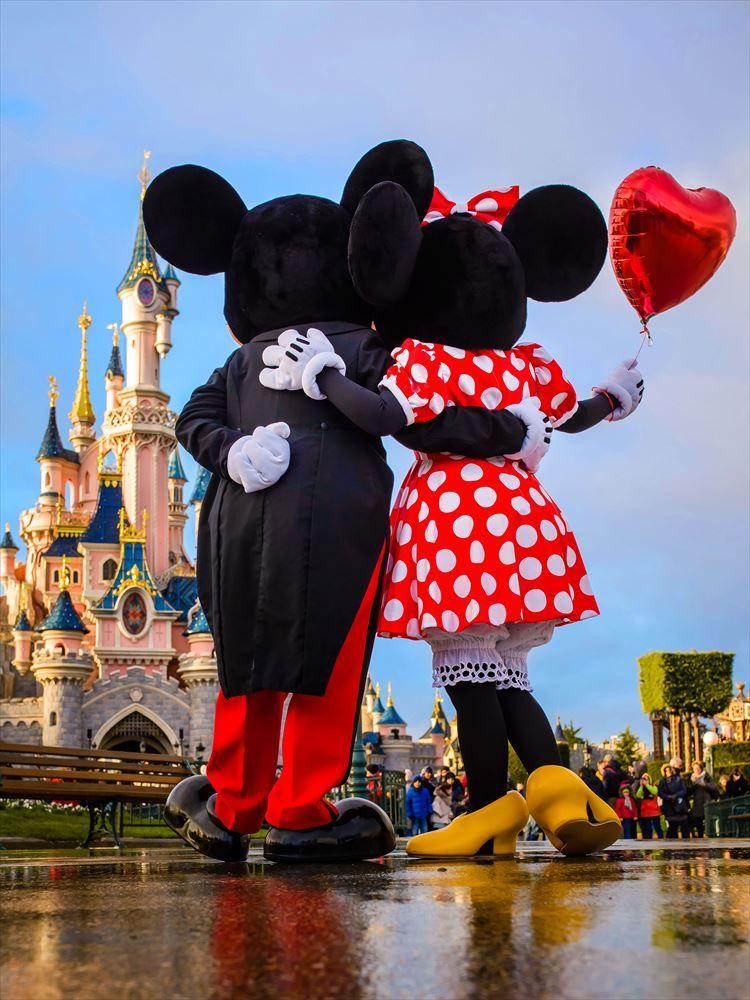 Celebrate Valentine S Day At Disneyland Paris C Disney Disney