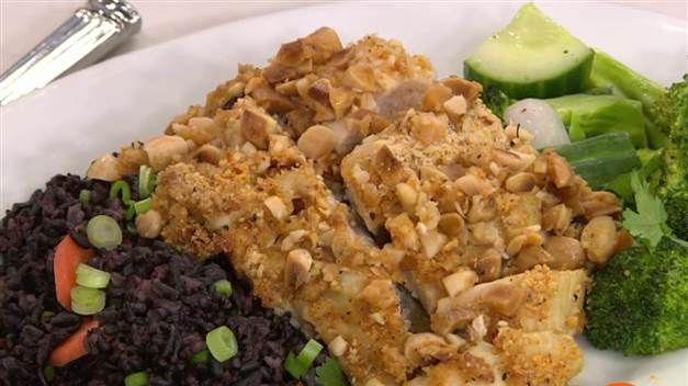 """Laura Prepon from Netflix's """"Orange is the New Black"""" demonstrates how to make one of her favorite healthy meals: Coconut almond crusted chicken. This easy, simple recipe is from her new book """"The Stash Plan"""" and is perfect for anyone who wants a quick and nutritious dinner."""
