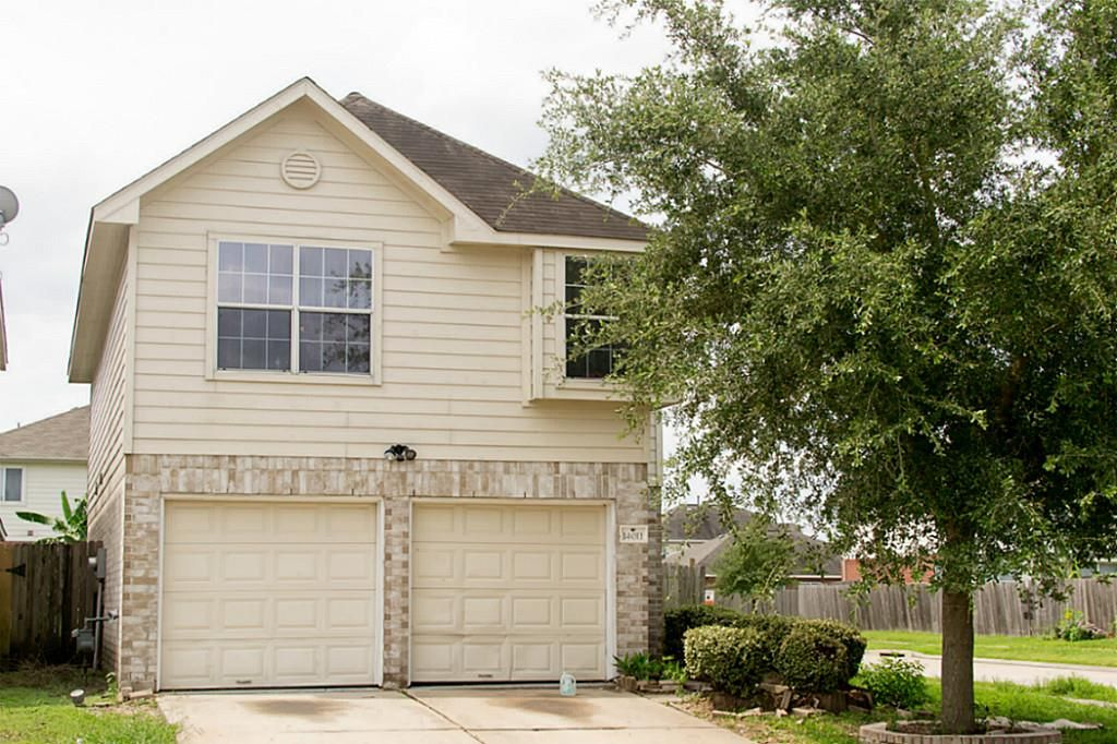 single family property for sale with 3 beds 2 1 baths in houston rh pinterest com