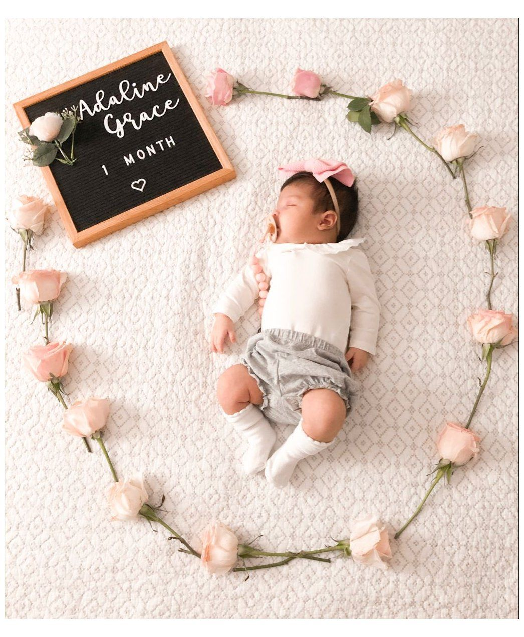 1 Month Old 2 Month Old Baby Girl Outfits 2montholdbabygirloutfits In 2021 Baby Milestones Pictures Baby Milestone Photos Monthly Baby Photos