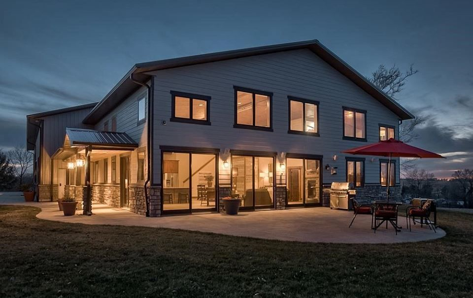 Is The Barndominium The Future Of Residential Construction Barn Style House Metal House Plans Pole Barn House Plans