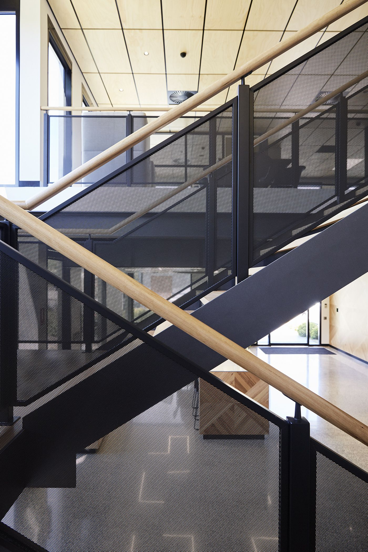 Best Stairs Commercial Space Steel Stringers Timber Steps 400 x 300