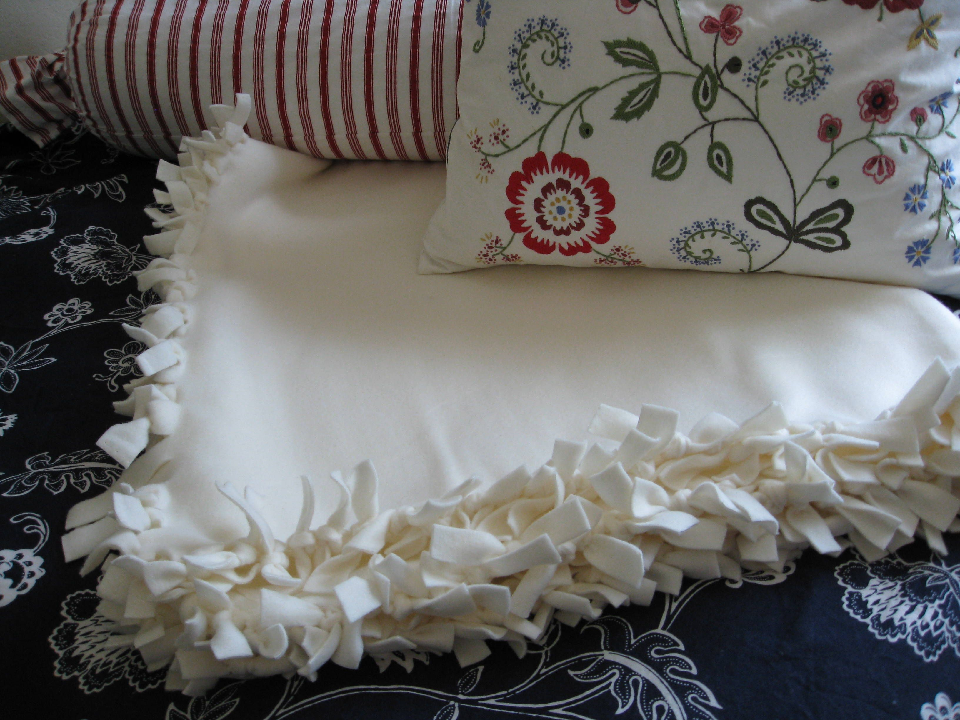 No Sew Double Sided Fleece Blanket Homemade Blankets And