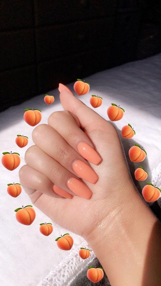 10 motifs de clous orange à porter toute lannée