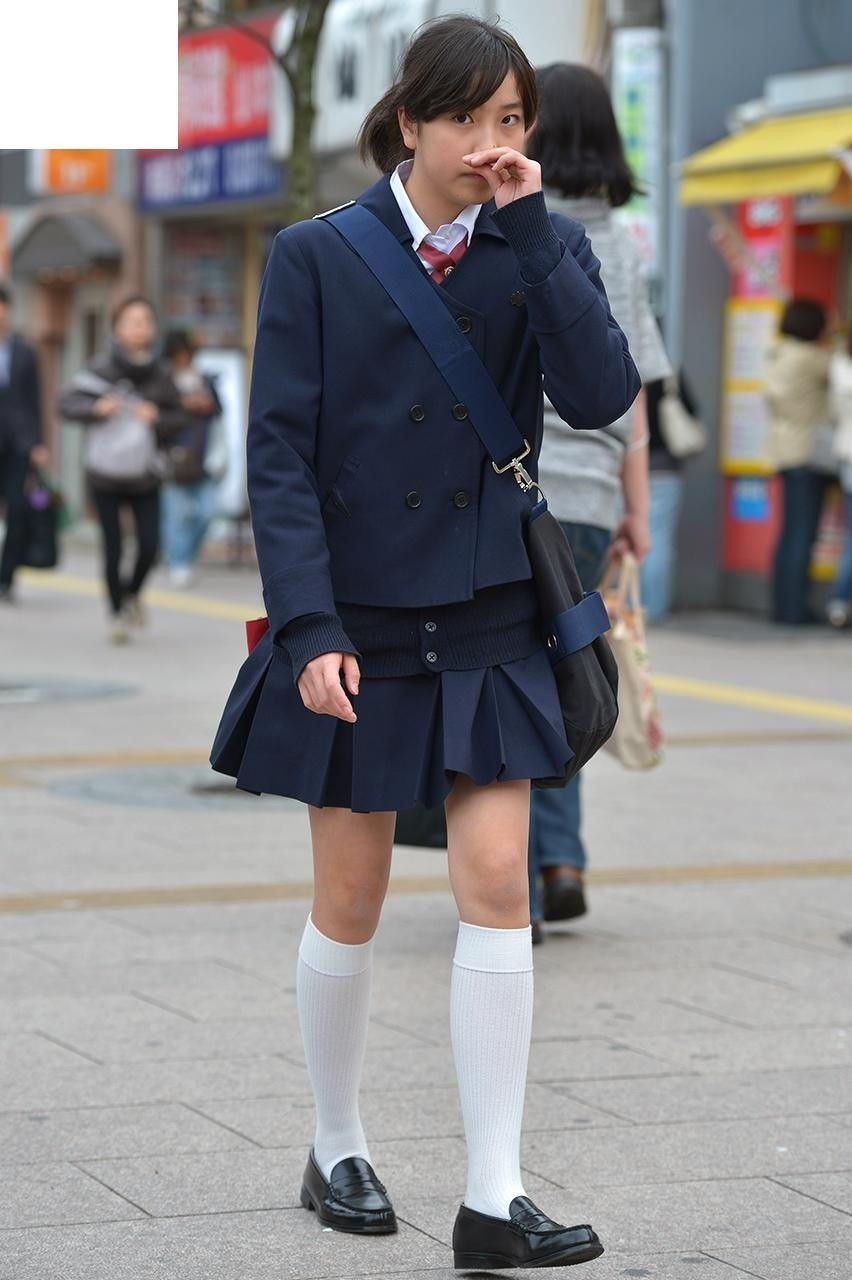 schoolgirl-outfits-japan