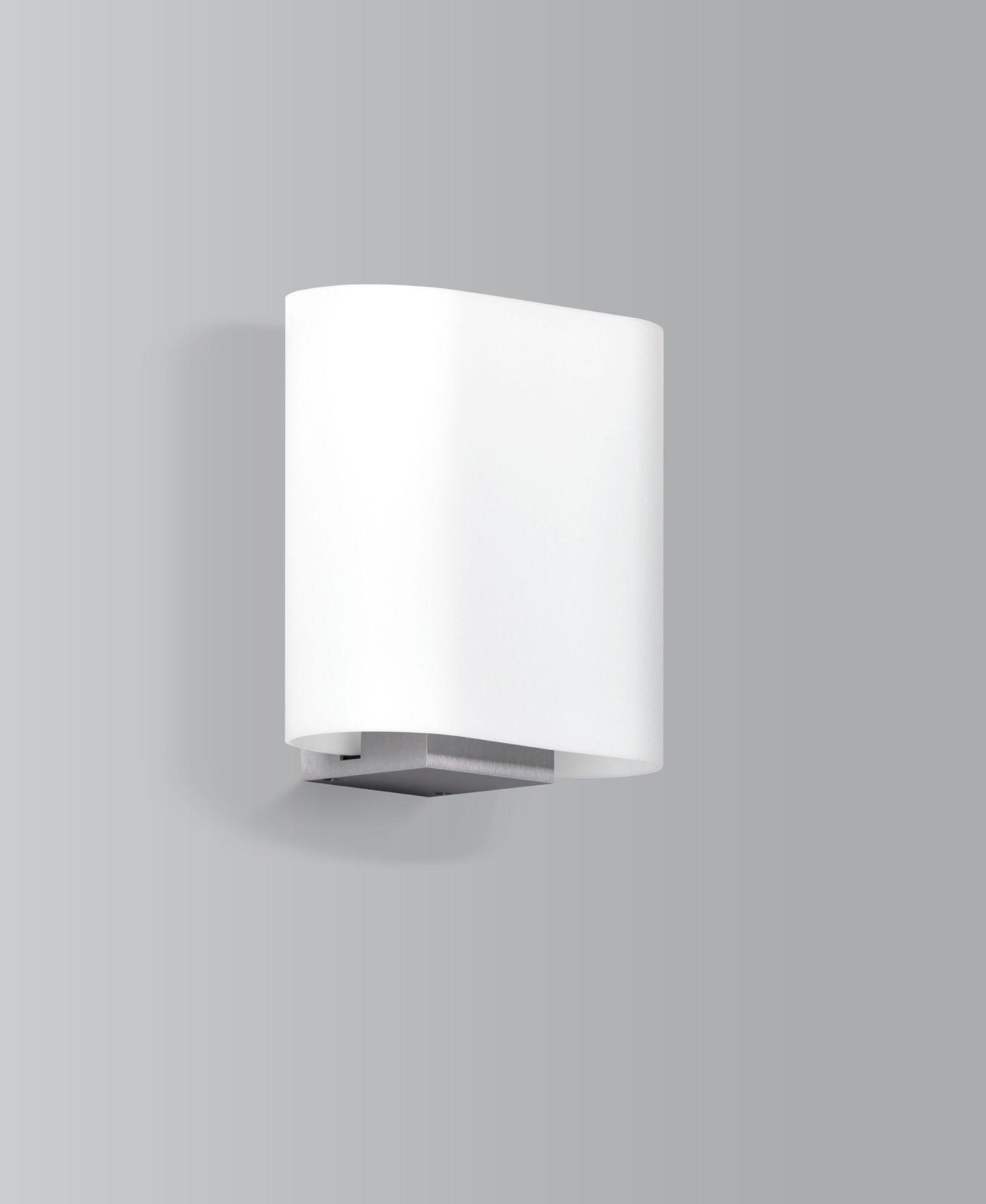 Das besondere an ser Leuchte ist äußerst präzise Aluminium Armatur kaum wahrnehmbar und