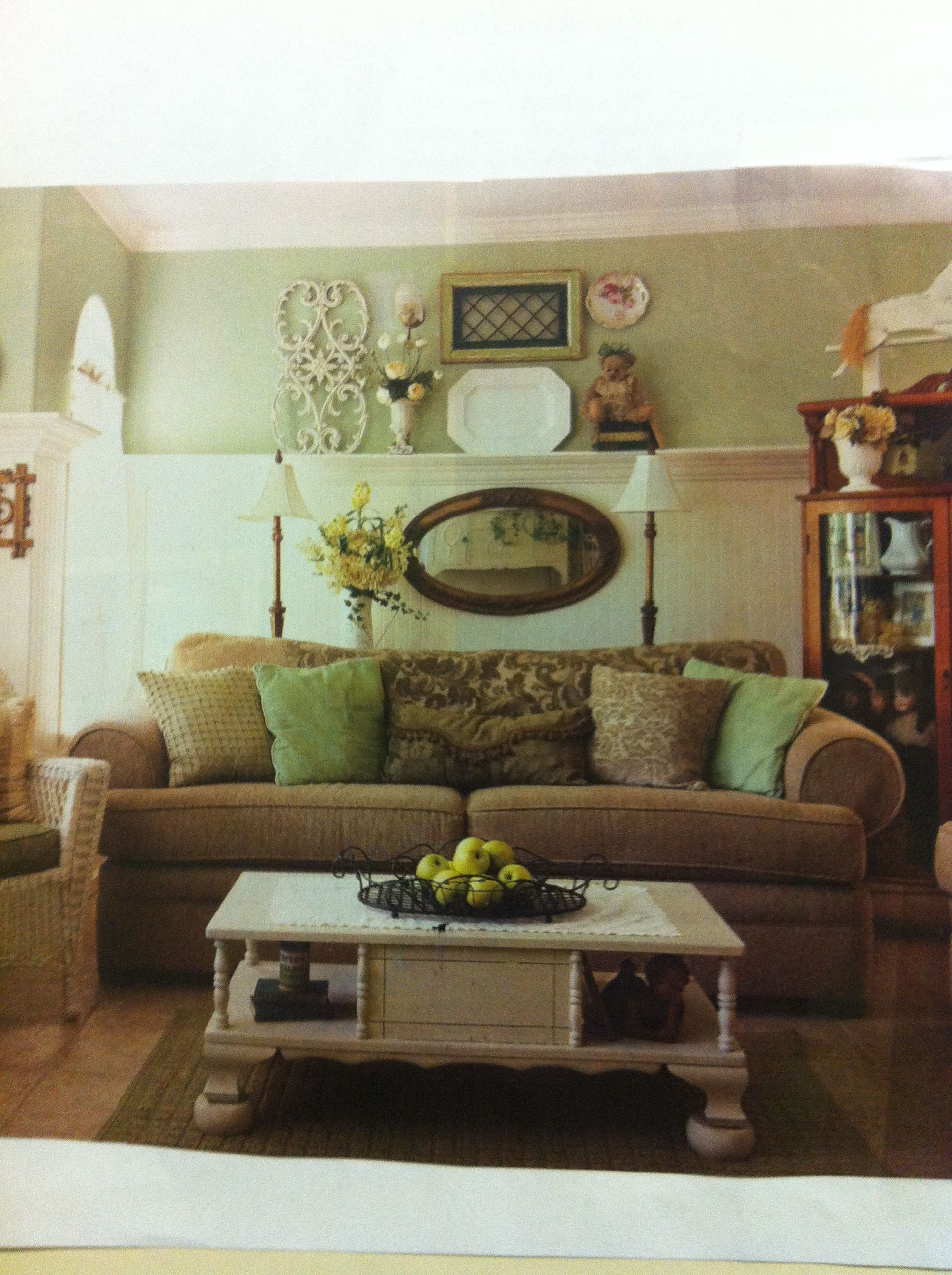 Country cottage living room | Cottage living rooms ...