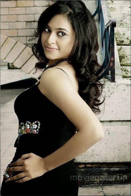 Tamil Actress Sri Divya Hot Sexy Photo Web World