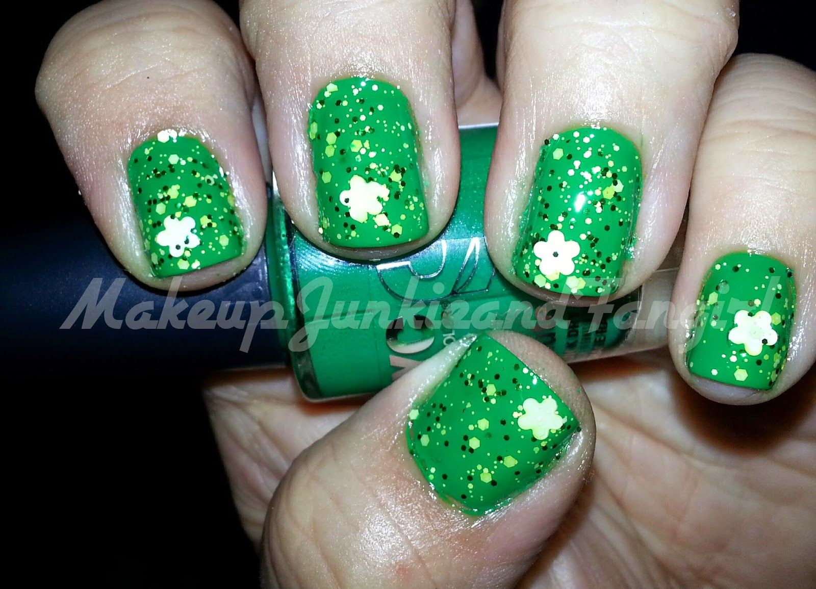 Makeup Junkie and Fangirl: St.Patty's Day Mani 2015