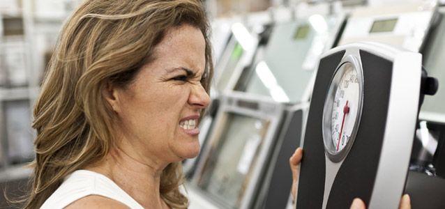 Wütend auf die Waage? Spar dir den Diätstress und nimm ganz entspannt ab - so geht´s!