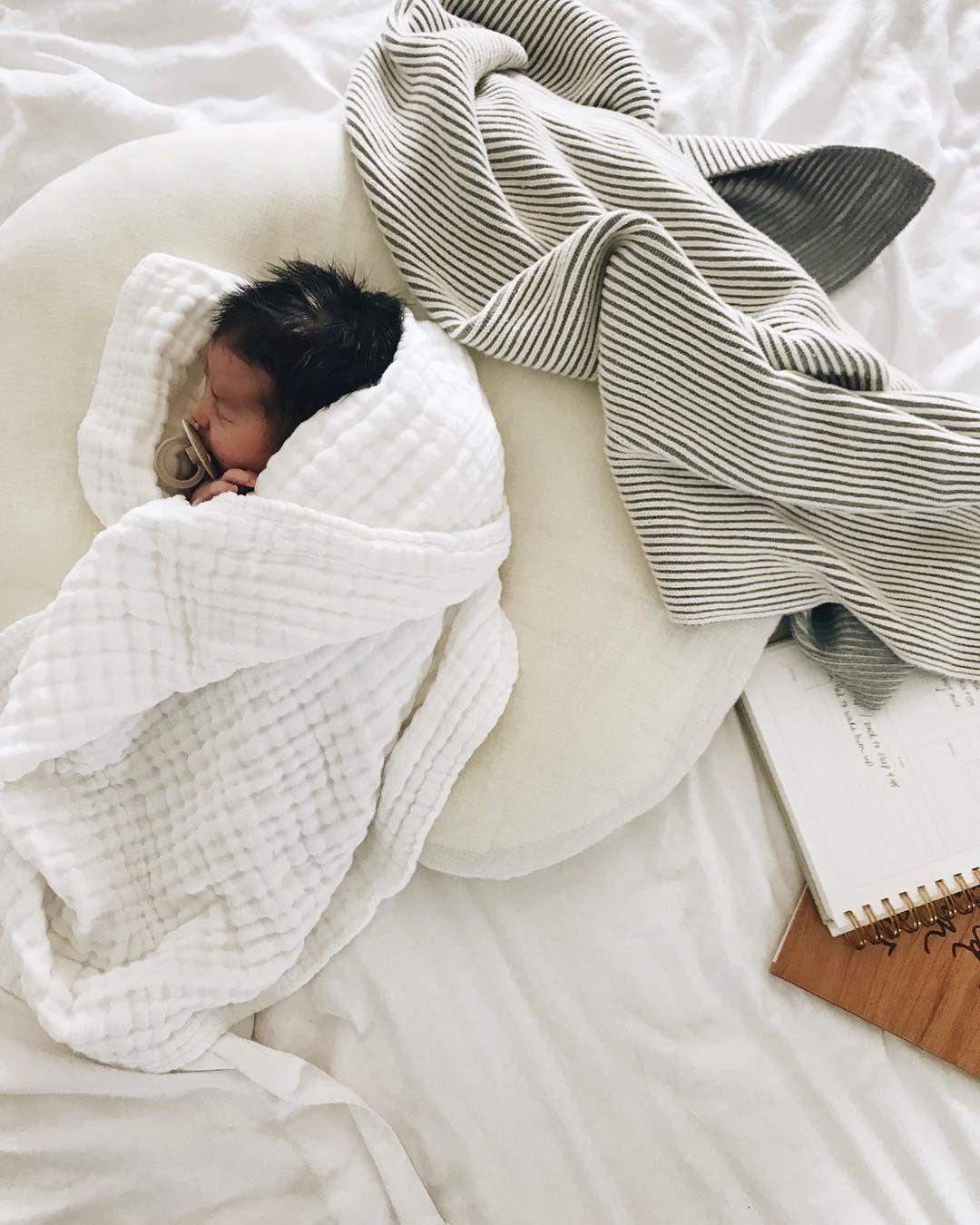 newborn nursing pillow