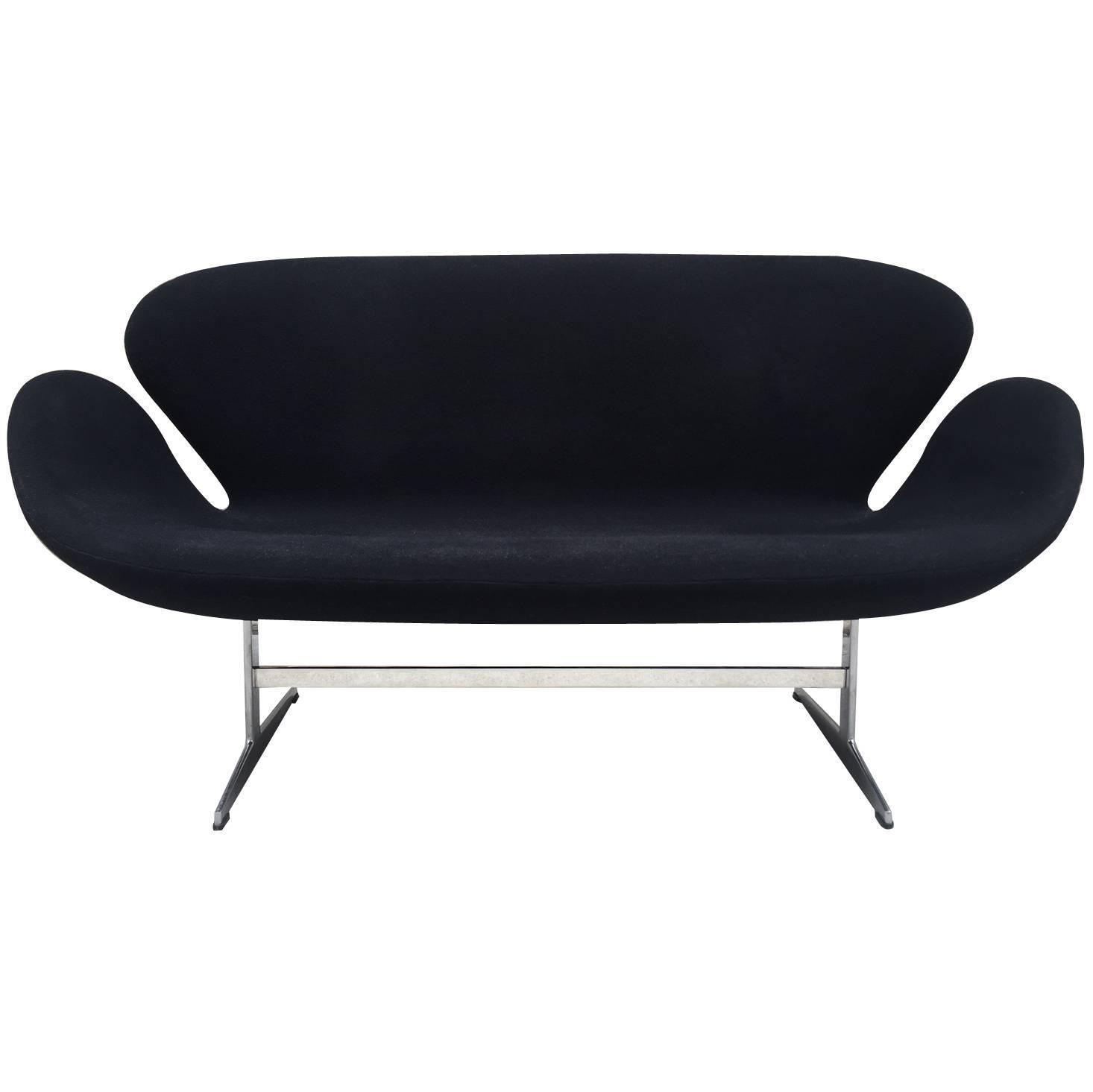 Arne Jacobsen Swan Sofa for Fritz Hansen