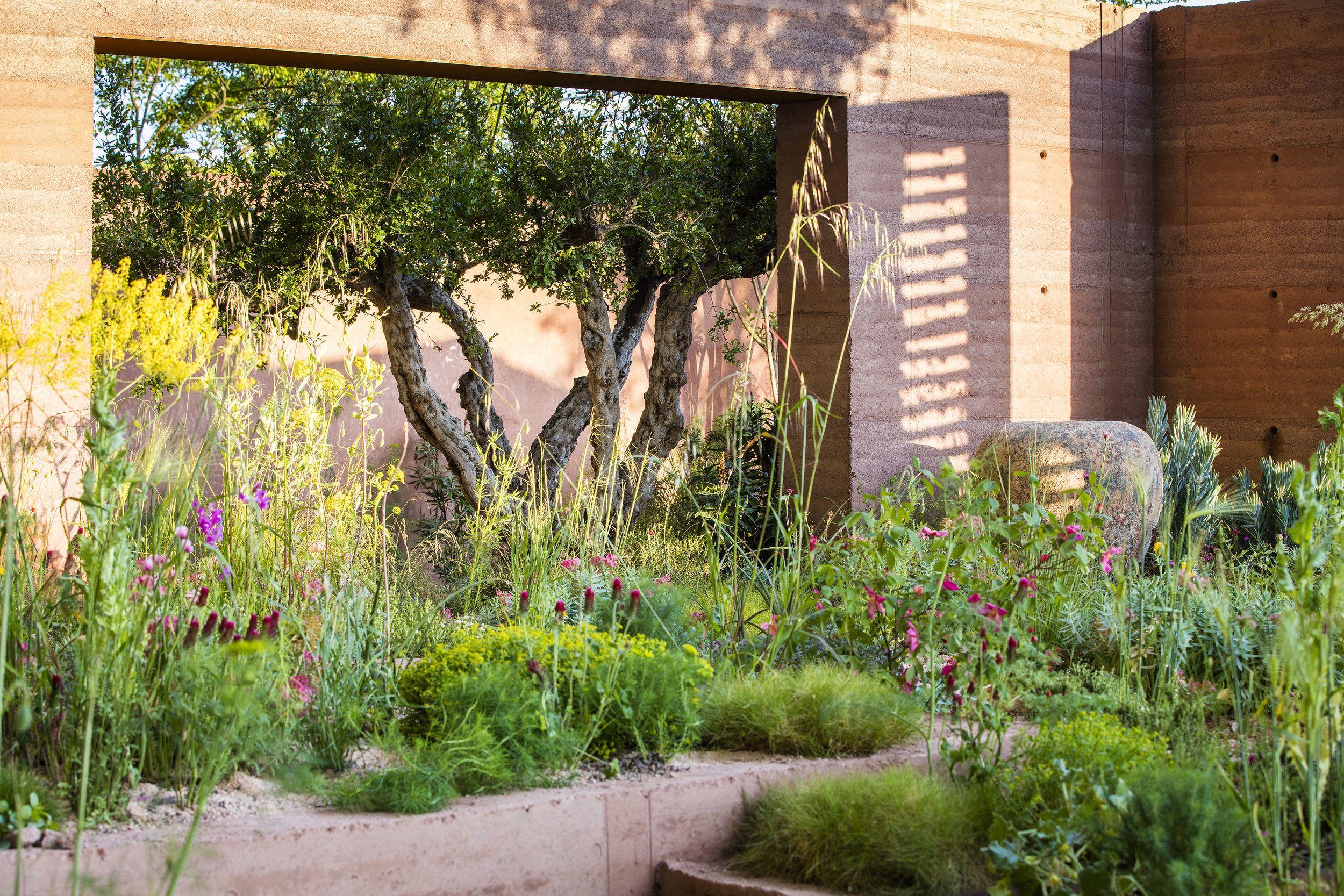 Sarah Price Garden Design In 2020 Garden Design Habitat Garden Garden Plants Design