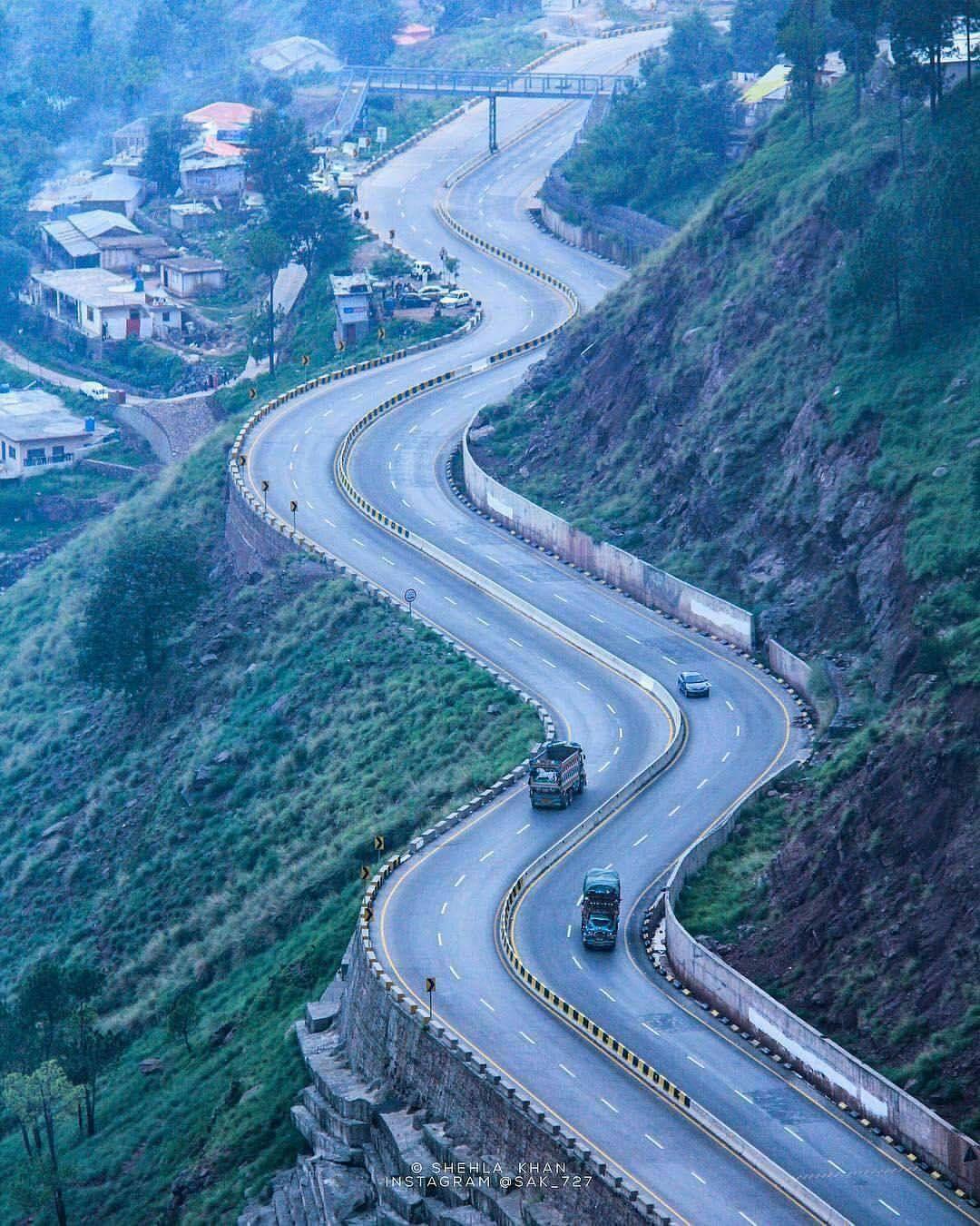 Islamabad Roads: Winding Road Near The Pakistani Capital