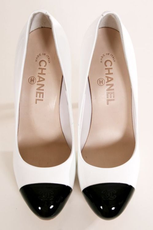 3ee4343f58 Chanel spectator pumps | shoes & boots in 2019 | Chanel heels ...