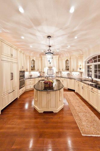 Si te gustan las cocinas enormes y elegantes, ¿Qué te parece ésta - cocinas elegantes