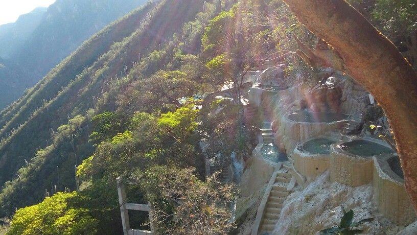 Pozos Tolantongo, México Aguas termales