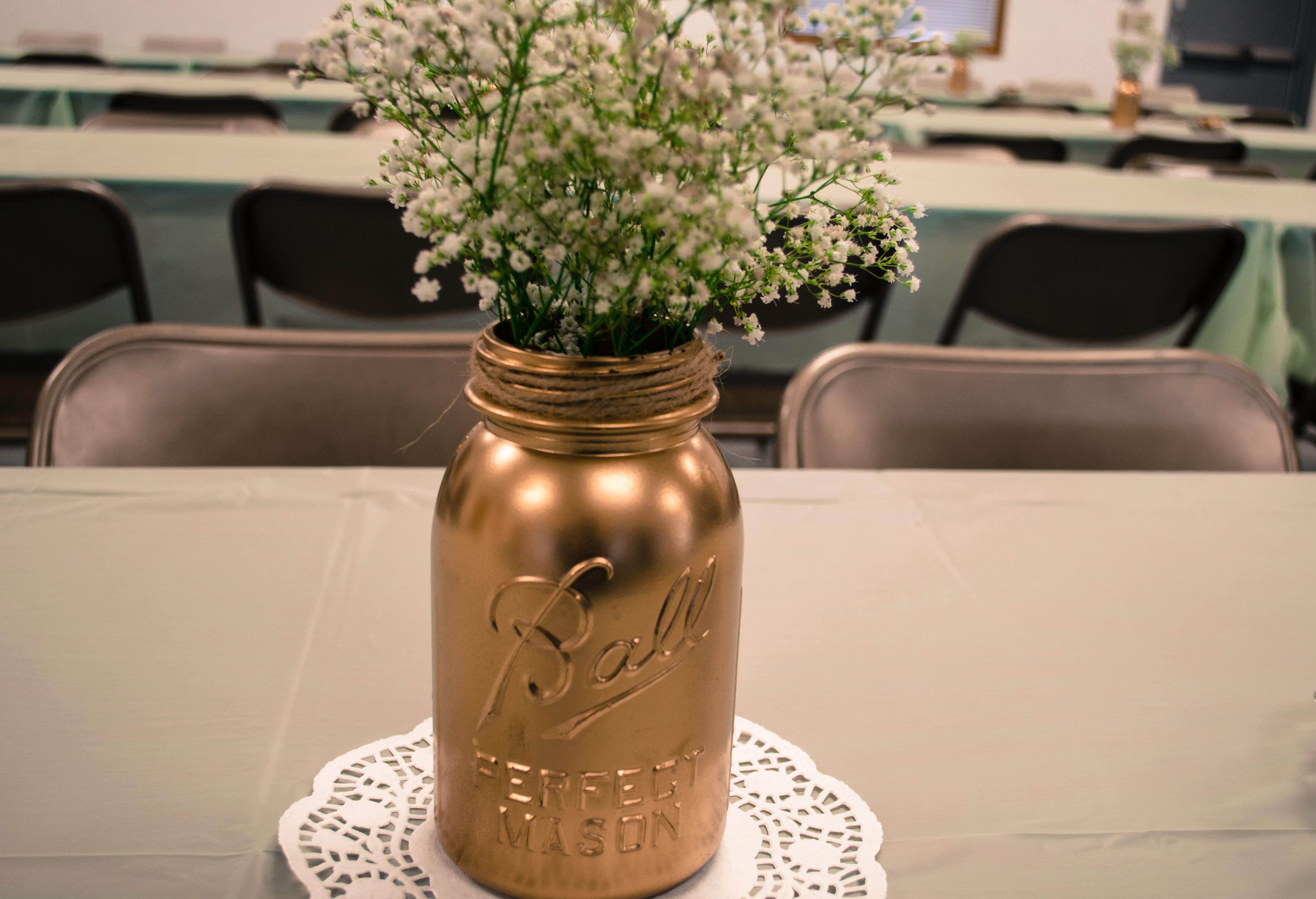 Spray painted mason jar with Baby's Breath | Vintage