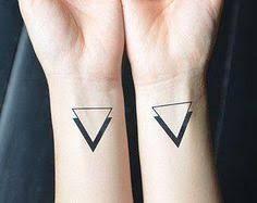 Resultat De Recherche D Images Pour Tatouage Double Triangle