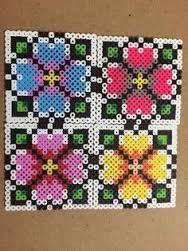 Resultado de imagen de flores en hama beads