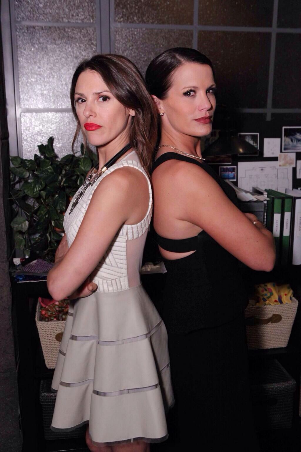 Chloe Chelsea From The Young And Restless Keep Scissors Away Form Chloe Young And The Restless Elizabeth Hendrickson Guys And Girls