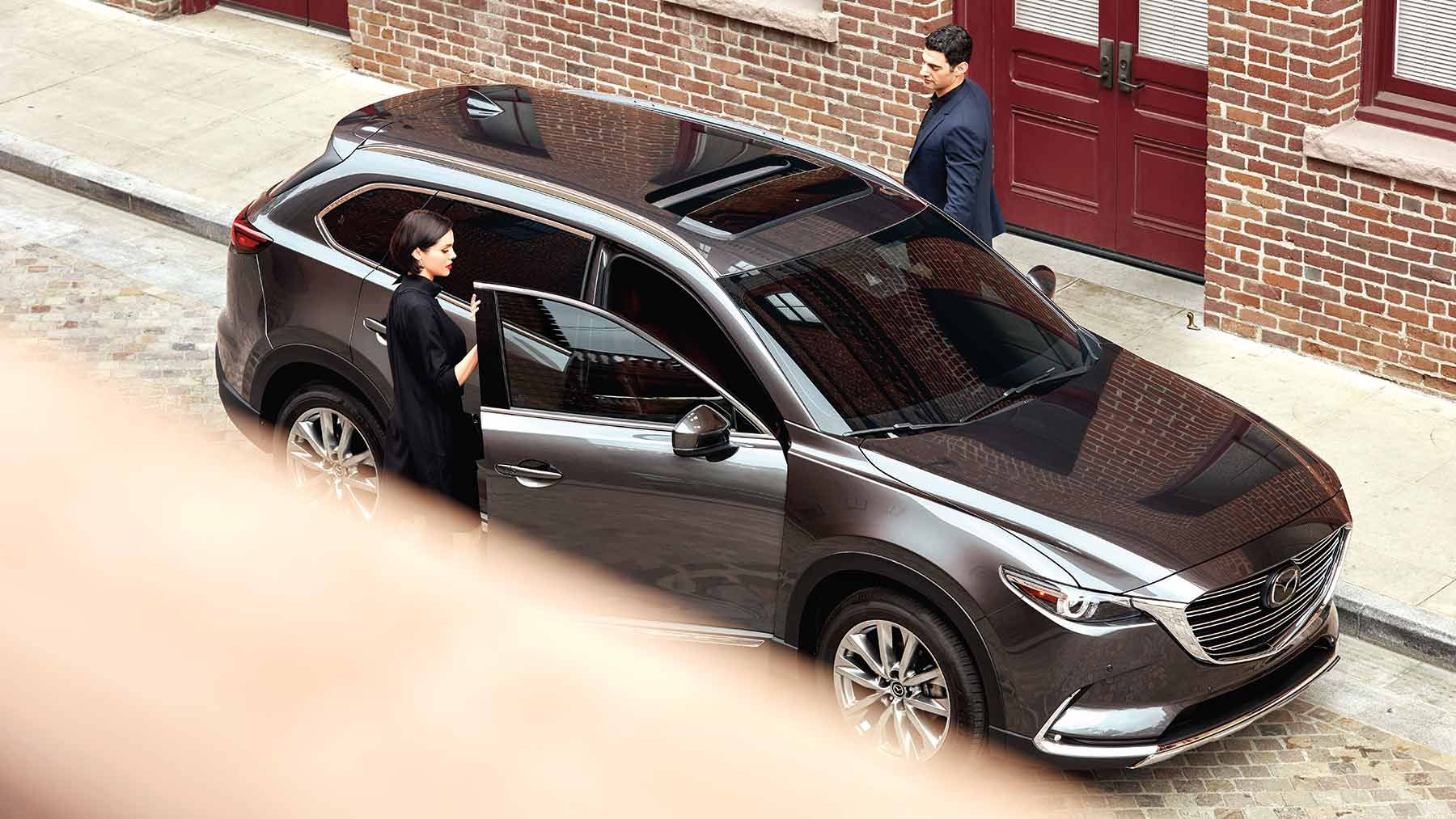 View photos and videos of the 2019 Mazda CX9 crossover