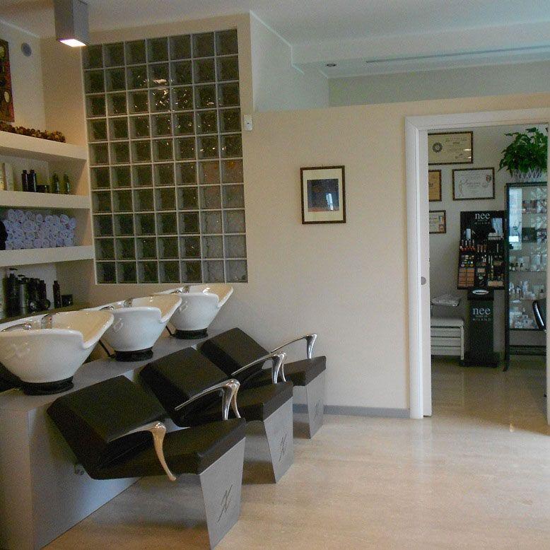 I Giacobbo Is A Specialised Salon In Hair Reconstruction Treatments In Vicenza Italy I Giacobbo Salone Specialista Nella Ricostruzione Dei Ca Saloni Spa