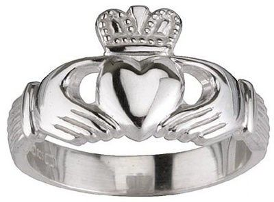74942569d1 Claddagh Rings: an Irish tradition. The heart symbolizes love, the hands  symbolize friendship, and the crown symbolizes loyalty. <3