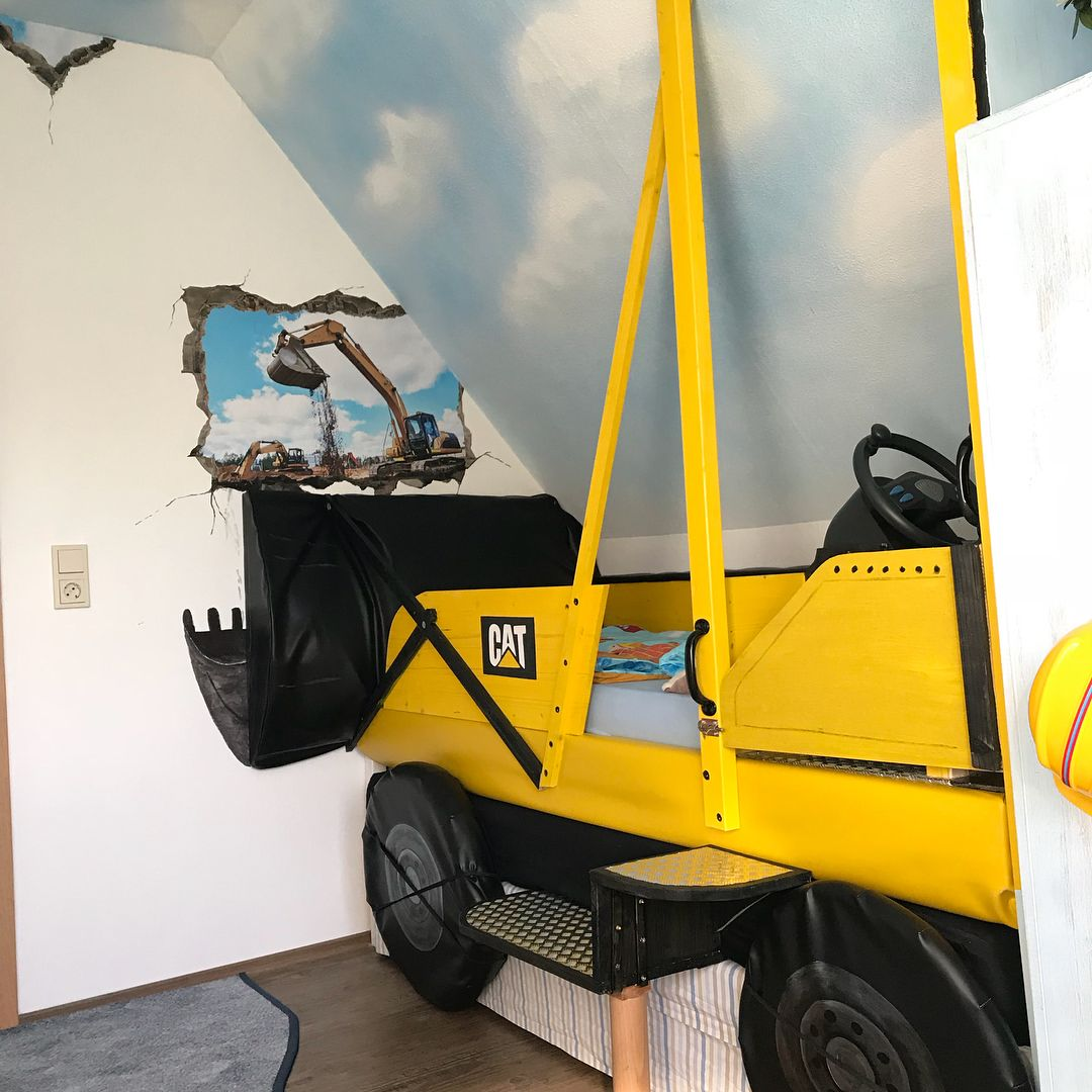 Selbstgebautes Baggerbett Kinderzimmer Mit Bagger Themenzimmer Bagger Bett Bett Selber Bauen Kinderzimmer