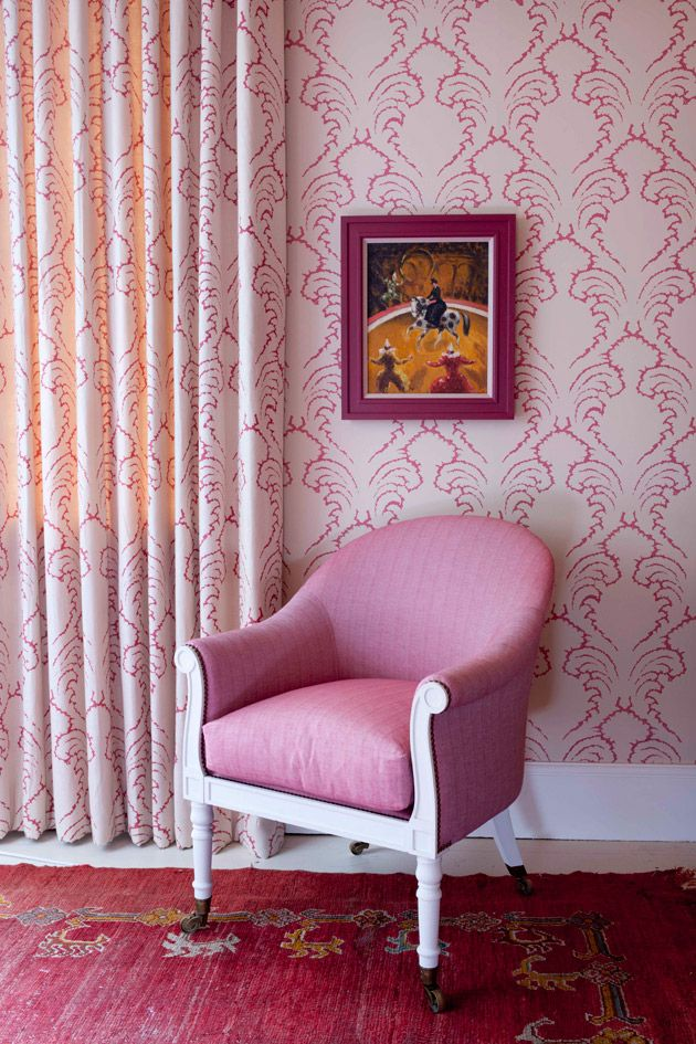 pink room w Pineapple Frond fabric