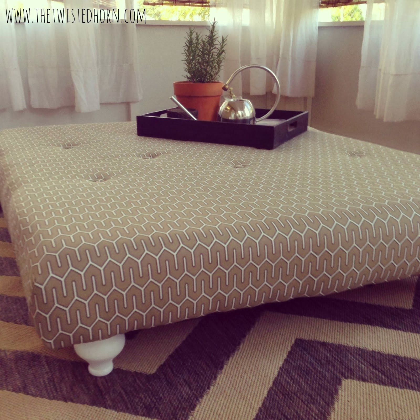 DIY Pallet Tufted Coffee Table Ottoman