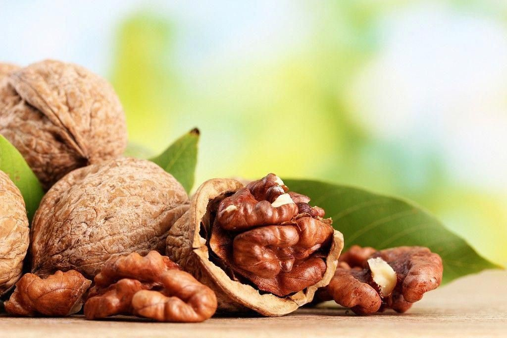 Walnuts contain healthy fats, antioxidants, protein, fiber, minerals and vitamins. #walnutsnutrition