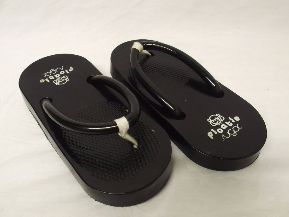 cf7e58f2eb40 Floaties Sugar Shoes Original Vintage Black Thong Flip Flop Sandals Size 7  in Clothing