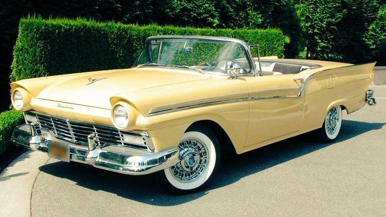 I Love This Yellow Convertible Such A Slick Summer Car Cars Drive Road