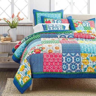 Tache Home Fashion Dreamy Meadow Quilt Set Size