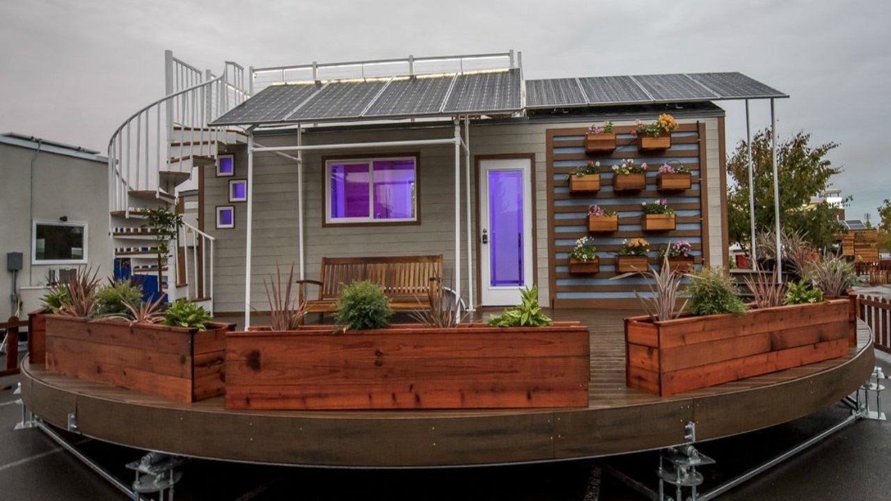 Fully Functional Offgrid Home on Wheels with Solar Panel