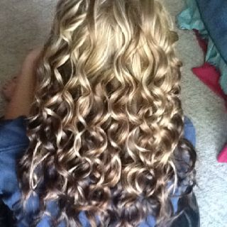 Curling Wand Works Magic With Images Wand Curls Hair Styles