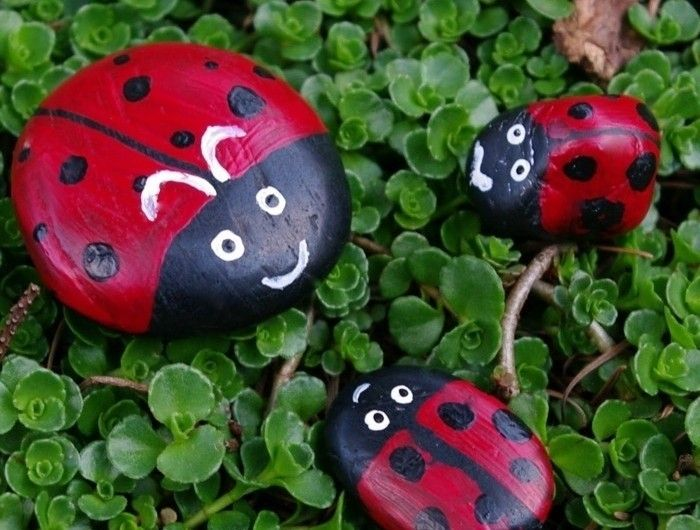 galets-décorés-à-la-peinture-idee-galets-conccinelles-decoration ... - Decoration Jardin A Faire Soi Meme