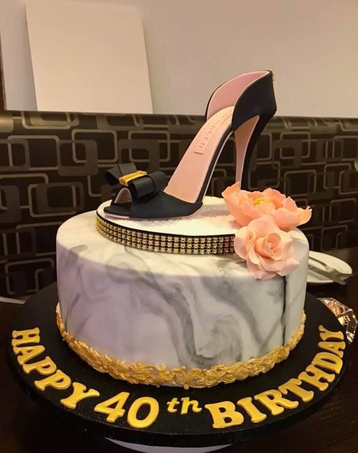 High heel shoe cake | Cake, Cake decorating, Shoes heels