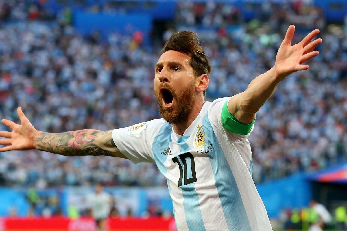 Lionel Messi Gols Titulos Recordes E A Biografia Do Craque Com
