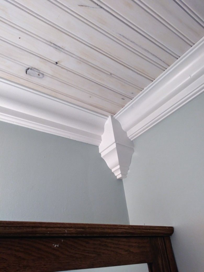Diy Crown Molding Corner Blocks This Is Why I Save My Cutoffs It Is Amazing What You Can Do With A Bit Of Scraps Diy Crown Molding Diy Crown Home Decor