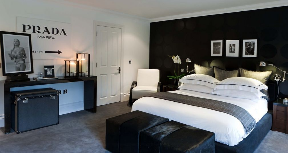 35 Timeless Black And White Bedrooms That Know How To Stand Out Mens Bedroom Decor Small Room Bedroom Fresh Bedroom